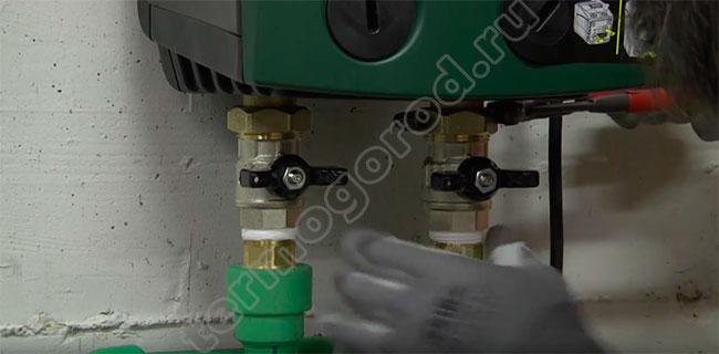 Присоединение Изибокс мини к трубопроводной системе